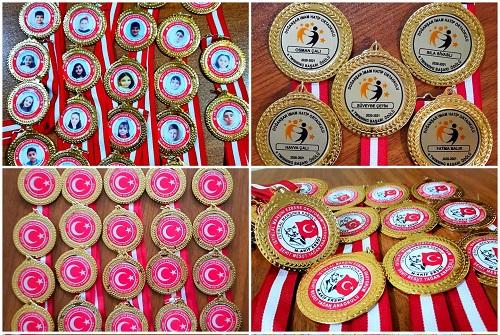 Madalya yapımı,Madalya Fiyatları,Madalya YAPTIRMA,Altın madalya,Madalya resmi,Madalya nerede yapılır,Madalya resmi,Boş madalya,Madalya çeşitleri,Toptan Madalya fiyatları,Madalya (1)
